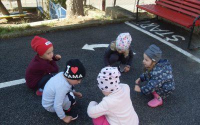 Na školskom dvore